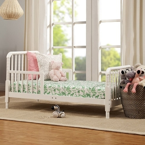 001TRB Toddler Bed w/ Spindle Posts in White - Finish: White<br><br>Made in Taiwan<br><br>Assembled Weight: 27.21 lbs<br><br>Dimensions: 54.75 x 30.375 x 29