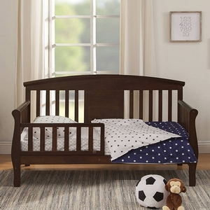 008TRB Convertible Toddler Bed in Espresso - Finish: Espresso<br><br>Available in White<br><br>Assembly Required<br><br><Made in Taiwan<br><br>Assembly Weight: 32 lbs<br><br>Dimensions: 55.625 x 30 x 32.375