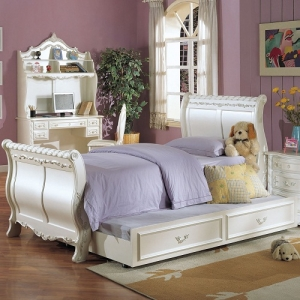 0907FB Peal White Full Sleigh Bed  - Finish: Pearl White Gold Brush Accent<br><br>Available in Twin Size<br><br>Trundle Sold Separately<br><br>Box Spring Required<br><br>Dimensions: 93