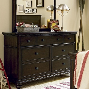 015DR Drawer Dresser - <b>Mirror sold separately</b><br><Br>