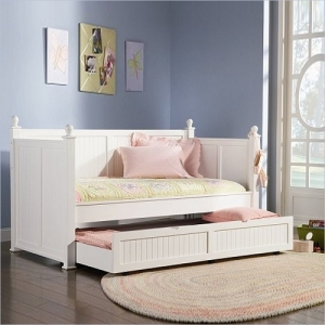 004DB Classic Twin Daybed with Trundle - Twin daybed with high panels. Offered in a clean semi-gloss white finish<br><br>Link spring not required<br><br>