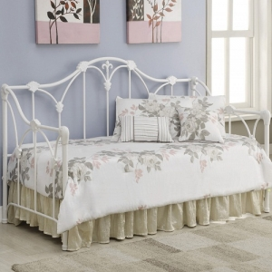 004MDB Daybed with Floral White Frame - Twin metal daybed finished in white<br><br>Link spring not required<br><Br>