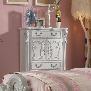 305CH Diana Collection 4 Drawer Antique Chest - Finish: Antique White<br><br>Available in Silver<br><br>Dimensions: 36
