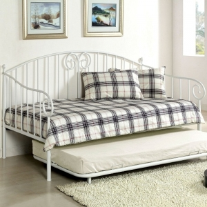 015MDB Metal Daybed in White - Transitional Style<br><br>Metal Daybed<br><br>Link Spring Included<br><br>