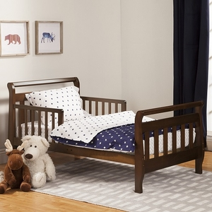 015TRB Toddler Sleigh Bed in Espresso - Finish: Espresso<br><br>Available in Cherry, Grey & White<br><br>Assembly Required<br><br>Made in China<br><br>Assembled Weight: 23 lbs<br><br>Dimensions: 57 x 29.625 x 28.125